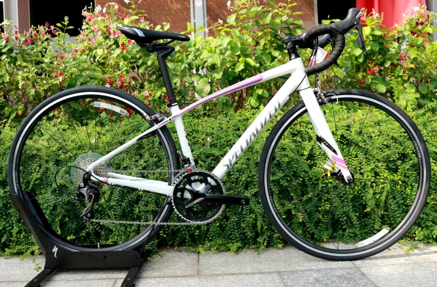 Xe đạp thể thao Specialized Dolce Comp
